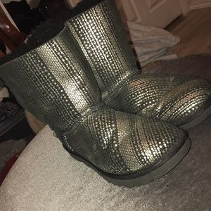 Black and silver Ugg's